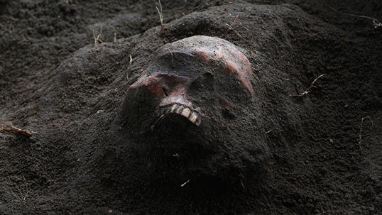 perperikon-vampire-bulgaria-skeleton-.si